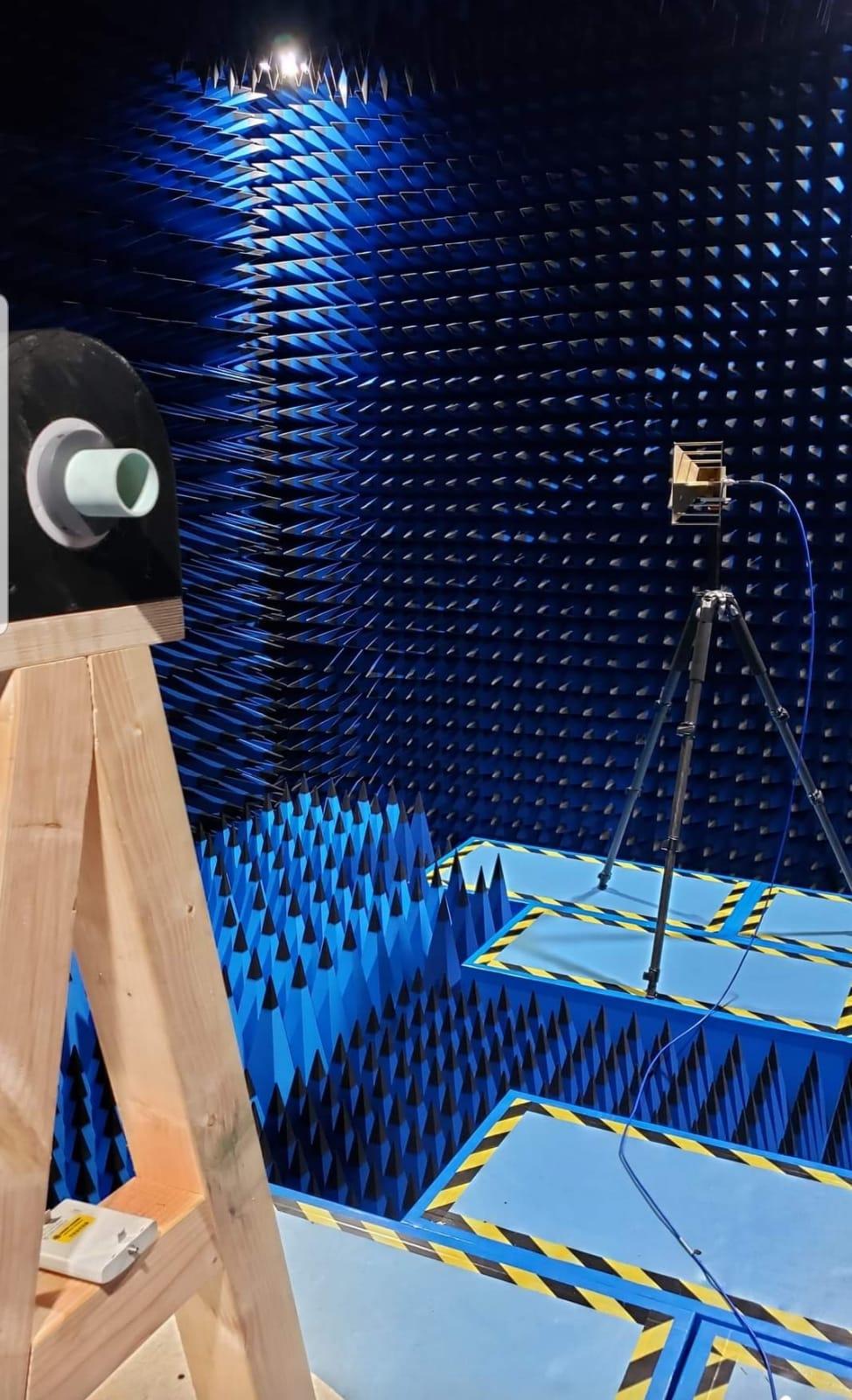 Antenna measurement chamber